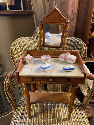 http://cliniquedepoupees.viabloga.com/images/table_toilette_1_1_t.jpg